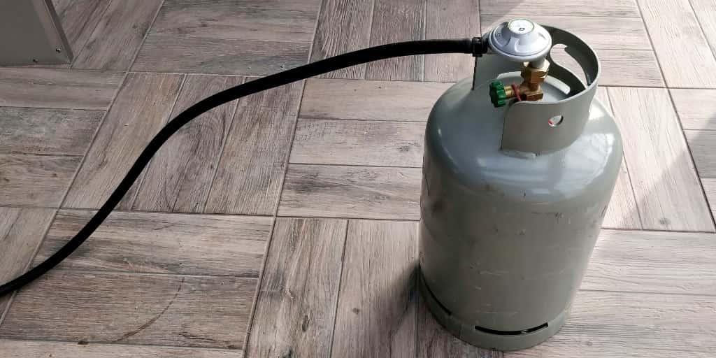 איך בודקים אם גריל גז דולף